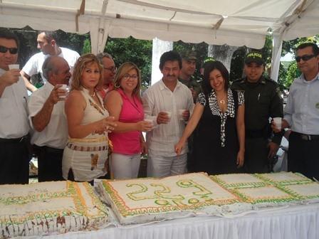 2 El alcalde Delio Gonzalez en un brindis por los 229 años de su municipio