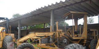 En el campamento de obras publicas en Garzon hay abandono de maquinaria