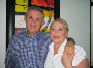 2 Óscar Vásquez Arias, en compañía de su esposa.