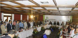 El gobierno Nacional sigue sin aflojarle nada a los gobernadores del país. Ayer terminó la cumbre en Bucaramanga.