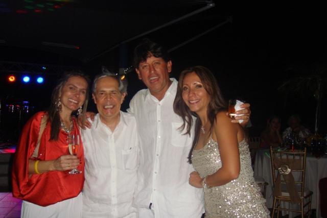 Chavela Cabrera, Jesús Oviedo, el cumpleañero y Diana Puentes.