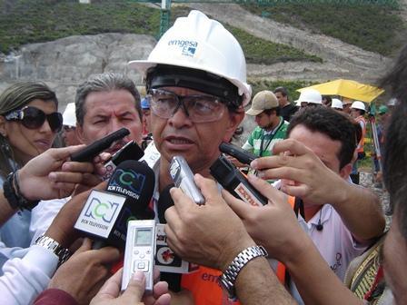foto 06 julio santafe - gerente proy el quimbo