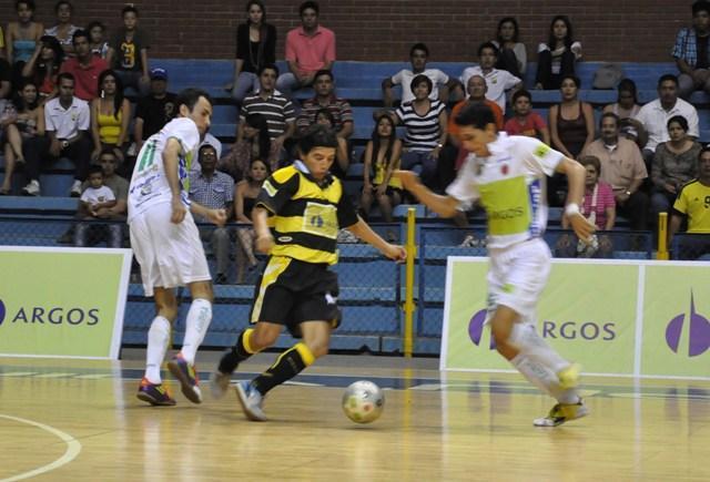 Los jugadores huilenses esperan debutar con un triunfo en los cuartos de final de la Liga Argos.