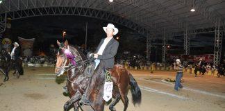 Anastasia de Naranjalito, del criadero Villa Camila en Chía (Cundinamarca), se llevó el primer puesto de Mejor Potranca en Proceso de Adiestramiento de 33 a 42 Meses en la modalidad de Trocha Pura.