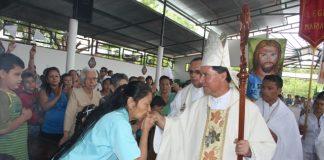 MISA caqueta Las madres de Aipe agradecieron el gesto que tuvo Monseñor de visitarlas en el Día de las Madres