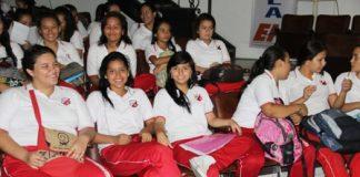 Estudiantes del Liceo Santa Librada.