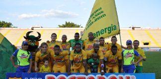 El Atlético Huila urge de vencer esta tarde al Independiente Santa Fe en Neiva y mantener las esperanzas de mejorar en la tabla de posiciones. Foto Oscar Roldán.