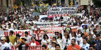 Millares de empleados de la Rama Judicial ratificaron ayer el cese de actividades, hasta que el gobierno autorice la nivelación salarial, ordenada desde hace 20 años.