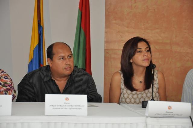 Junto a la gobernadora Cielo González, el secretario de Vías del Huila Jorge Enrique Osorio explicó los detalles de las inversiones que se harán en materia de vías para Neiva.