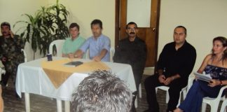 En Garzón se desarrolla a esta hora una reunión con los altos mandos de la policía para levantar los bloqueos concertadamente