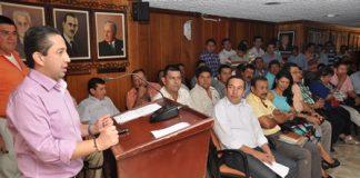 El gobernador (e) Julio César Triana socializó con los alcaldes, rectores y profesores, el convenio sobre transporte escolar.