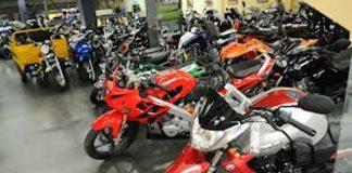 Los concesionarios de motos no están autorizados para expedir licencias.