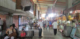 En el Terminal de Transportes de Neiva empieza paulatinamente el movimiento de pasajeros.