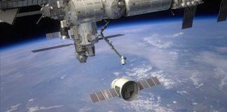 La cápsula no tripulada Dragon, de la sociedad estadounidense SpaceX regresó a la Tierra.