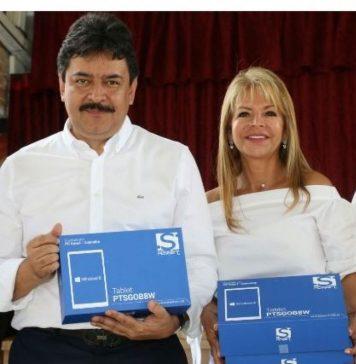 El gobernador Carlos Julio González hará la entrega de más de 60 mil tabletas para todos los municipios del Huila. /Foto: Oficina de Prensa Gobernación del Huila