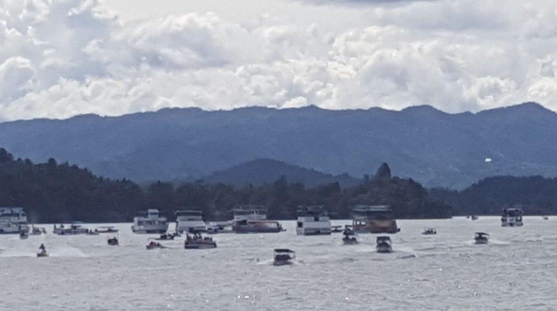 Santos pide investigar naufragio de embarcación en embalse de Guatapé