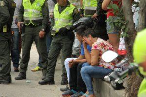 Los familiares del joven siniestrado no lograban asimilar la terrible noticia.Fotos Julio Aya