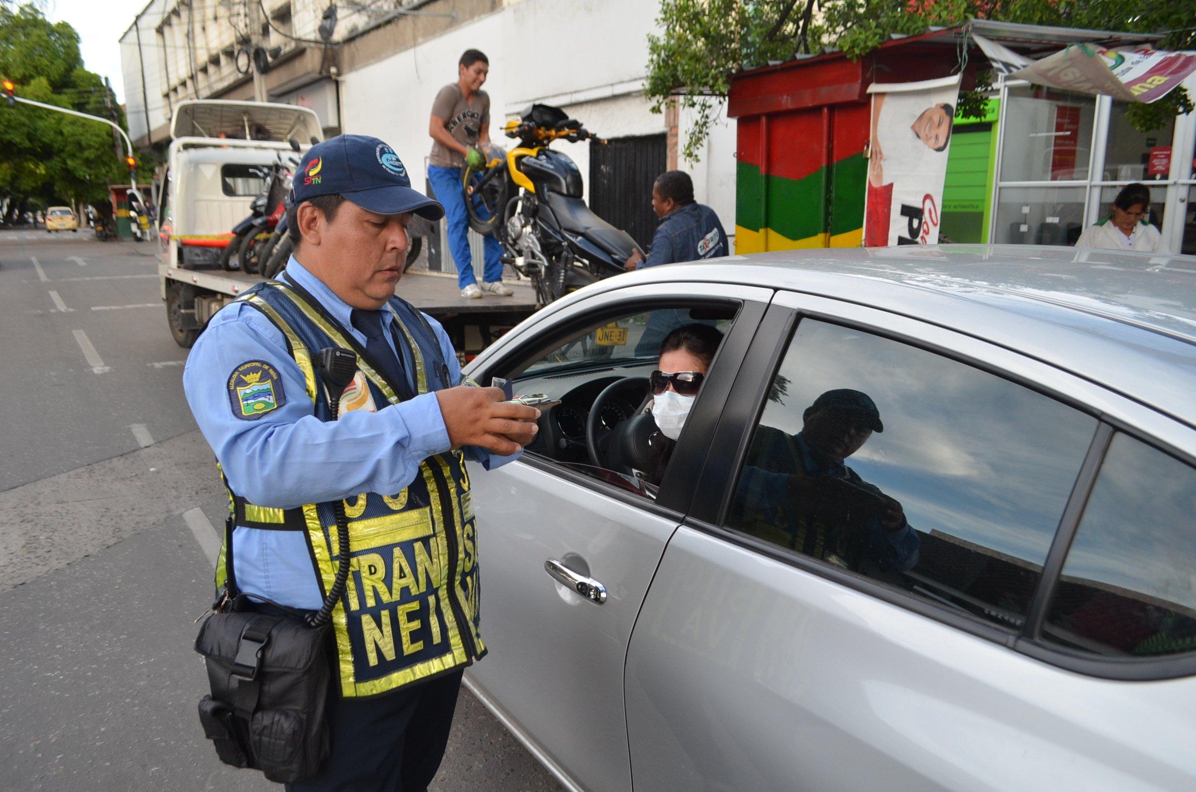 Agentes de tránsito no podrán poner multas a primera vista por ... 4d9008aae6