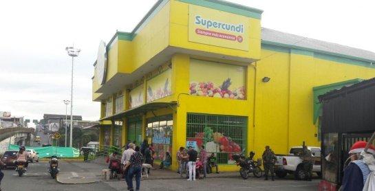 Fiscalía ocupa establecimientos de una cadena de supermercados en Bogotá