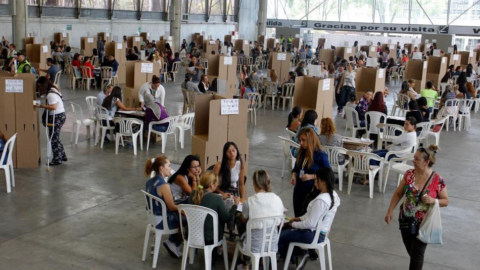 Más de 3 mil observadores este domingo en legislativas de Colombia
