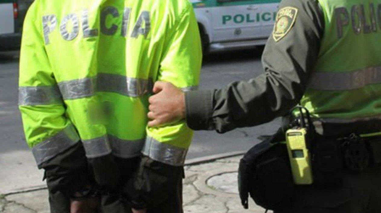 A la cárcel 3 policías de Cali por el delito de concusión