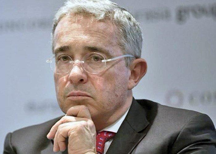 """Iván Cepeda tiene nuevas pruebas contra Álvaro Uribe"""""""