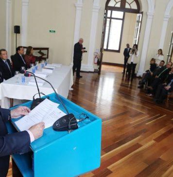 El contralor saliente, Edgardo Maya, presentó su último informe.