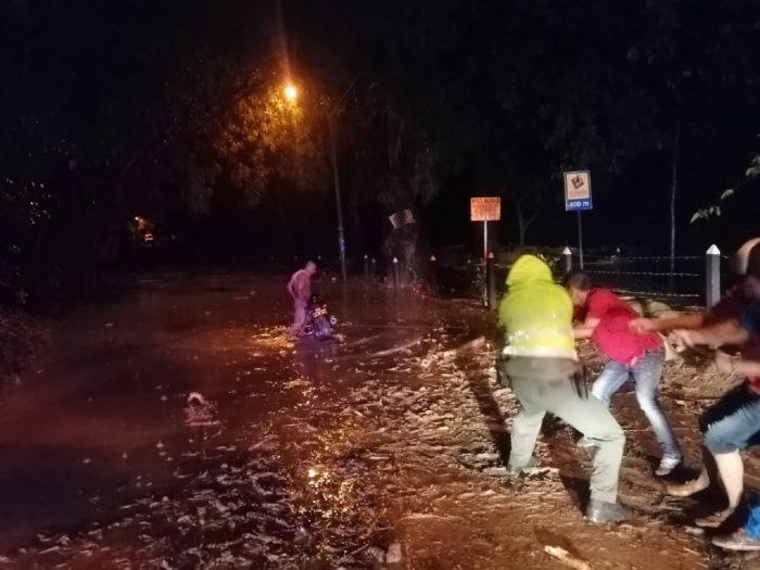 Un muerto y varios desaparecidos por lluvias en Piedecuesta, Santander 1 4 abril, 2020