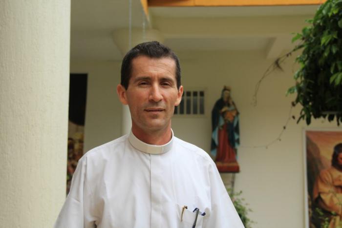 Feligreses despiden al sacerdote Rubén Darío Castro 1 2 julio, 2020
