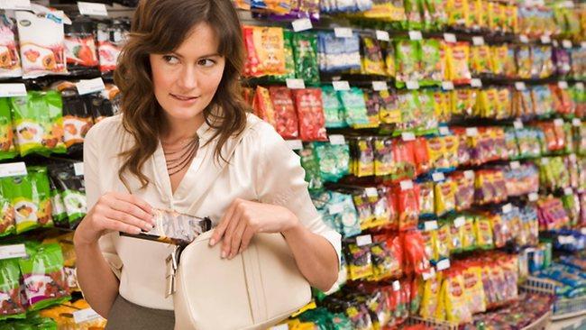 Leve condena a mujer que robaba en supermercados 1 12 agosto, 2020