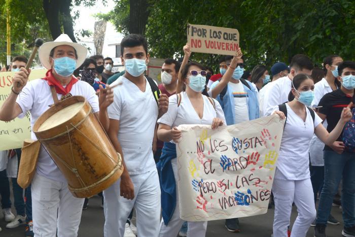 Neivanos marcharon a ritmo de Sanjuanero 11 6 mayo, 2021