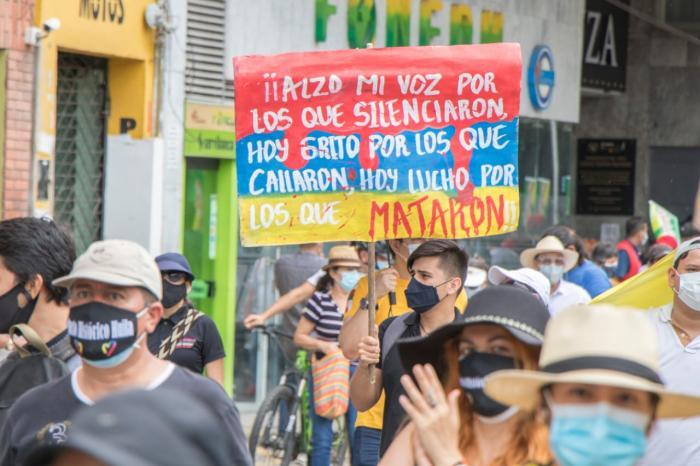 Neivanos marcharon a ritmo de Sanjuanero 13 6 mayo, 2021