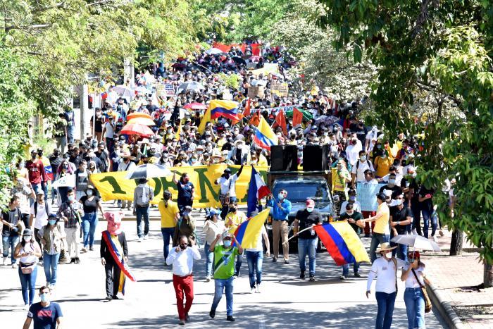 Indignación de trabajadores estalló en las calles 10 2 mayo, 2021